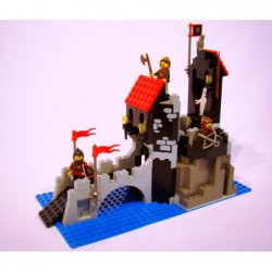 Lego 6075 Wolfpack Tower