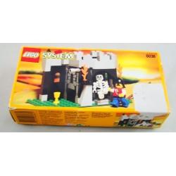 Lego 6036 Skeleton Surprise